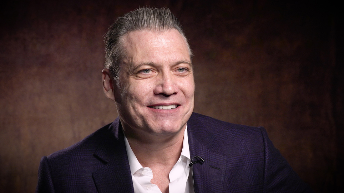 Holt McCallany profiles Netflix original series Mindhunter